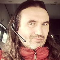 """<p><em style=""""font-style: italic;"""">После получения сообщения координатор Елена Алимова сразу же позвонила дежурному МЧС, сообщила, что на вершине находится группа восходителей, и сразу же выехала в Терскол. МЧС развернуло спасательную операцию</em></p>"""