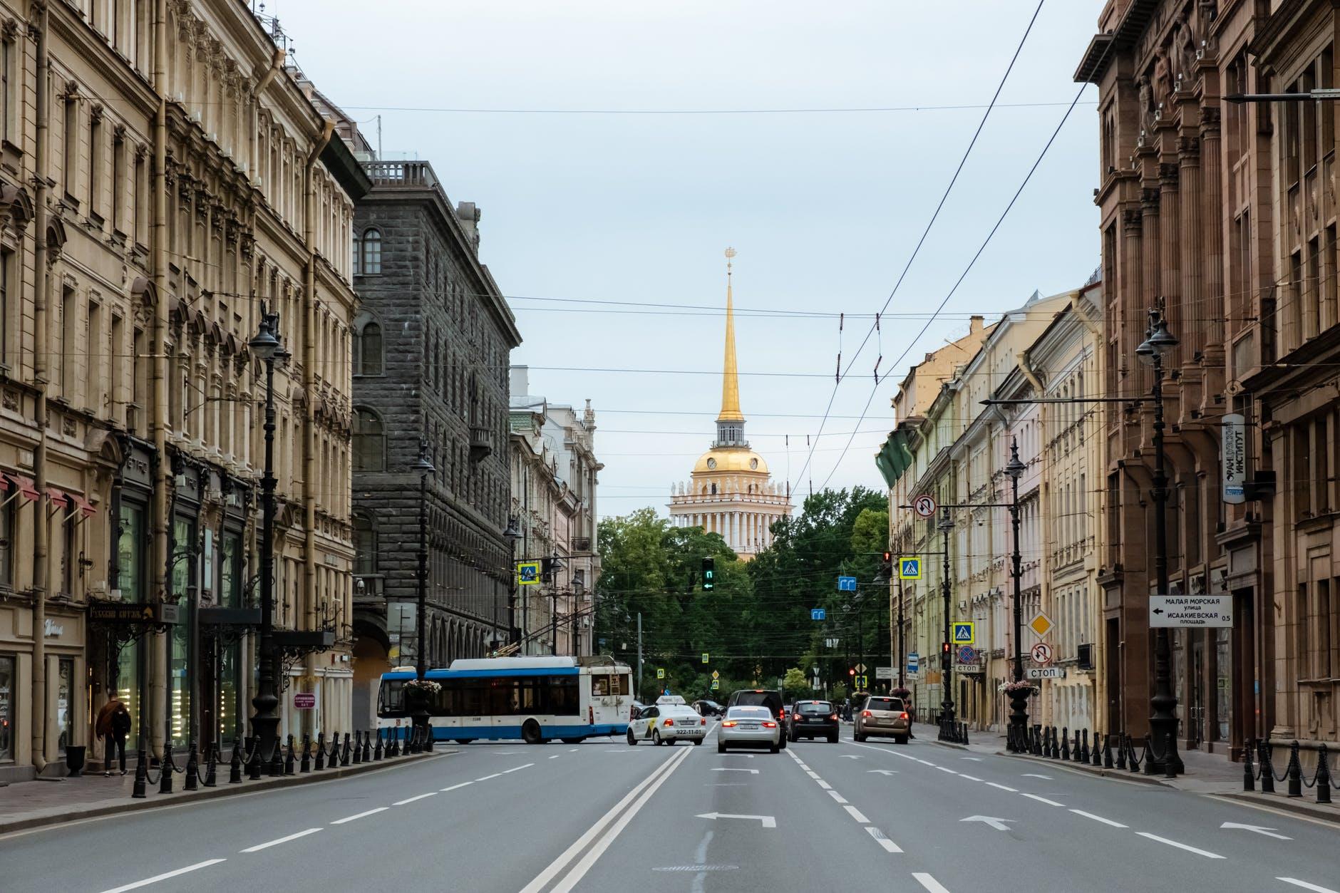 Ограничительные меры по ковиду в Петербурге продлили до конца октября