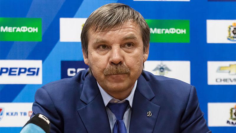 "<p>Фото © <a href=""https://commons.wikimedia.org/wiki/File:Oleg_Znarok_19.11.13_Amur%E2%80%94Dynamo_Moscow_KHL-game.jpg"" target=""_blank"" rel=""noopener noreferrer"">Wikipedia</a></p>"