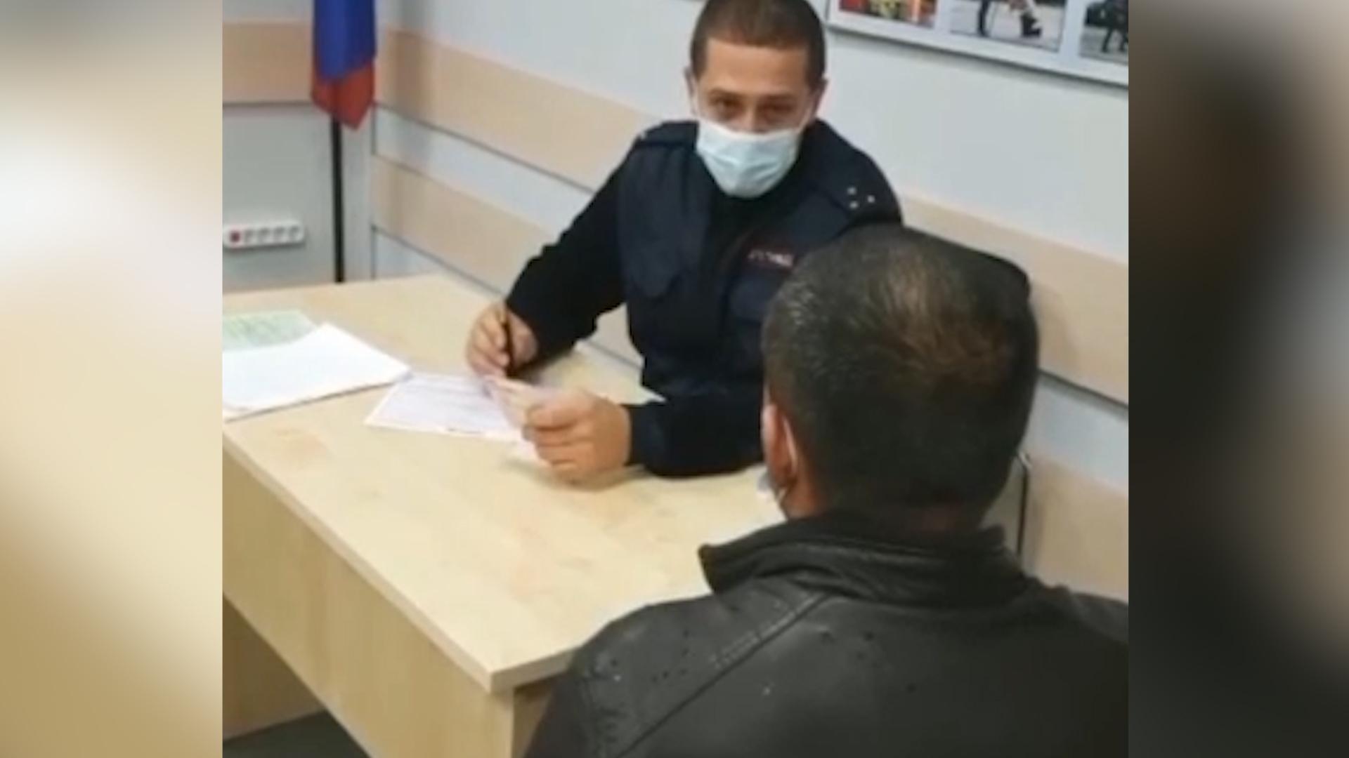 """В Москве оштрафовали водителя, который дал семилетнему сыну """"порулить"""" на МКАД"""