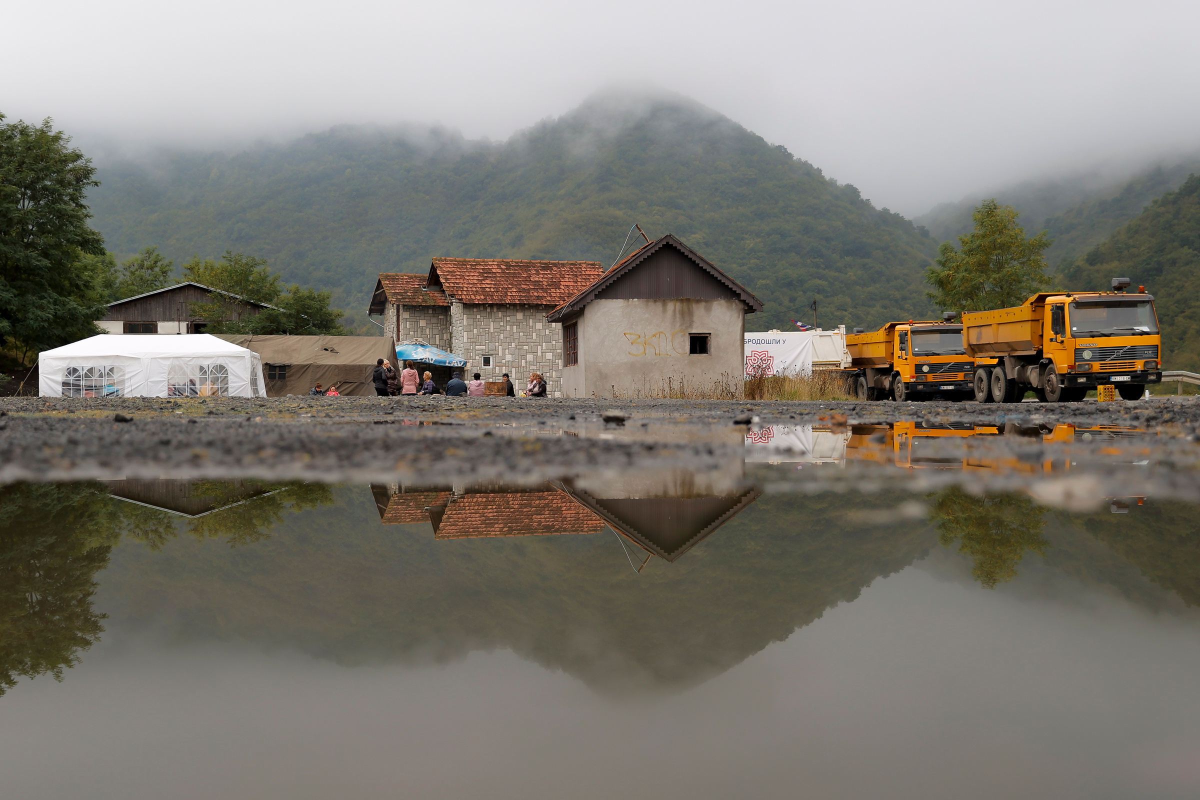 Ситуация вблизи КПП Ярине на границе Сербии и Косова. Фото © ТАСС / EPA / VALDRIN XHEMAJ