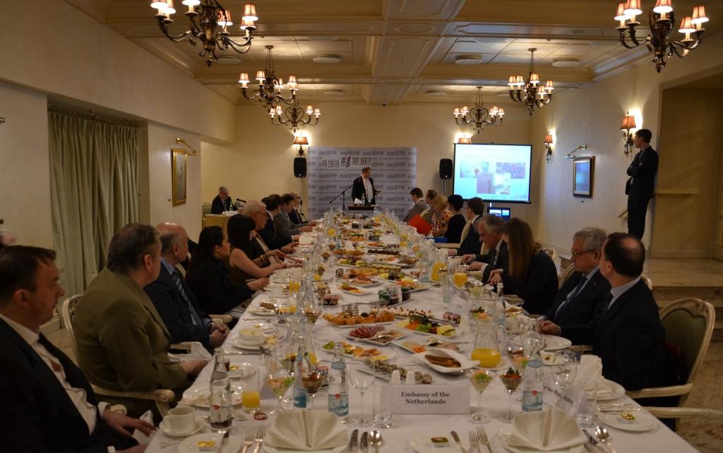 Дебаты в ПИР-центре. Фото © pircenter.org