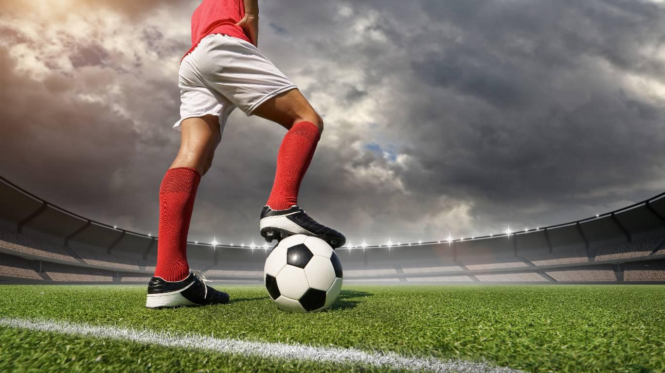 Милонов предложил РФС изобразить на форме футболистов традиционные ценности