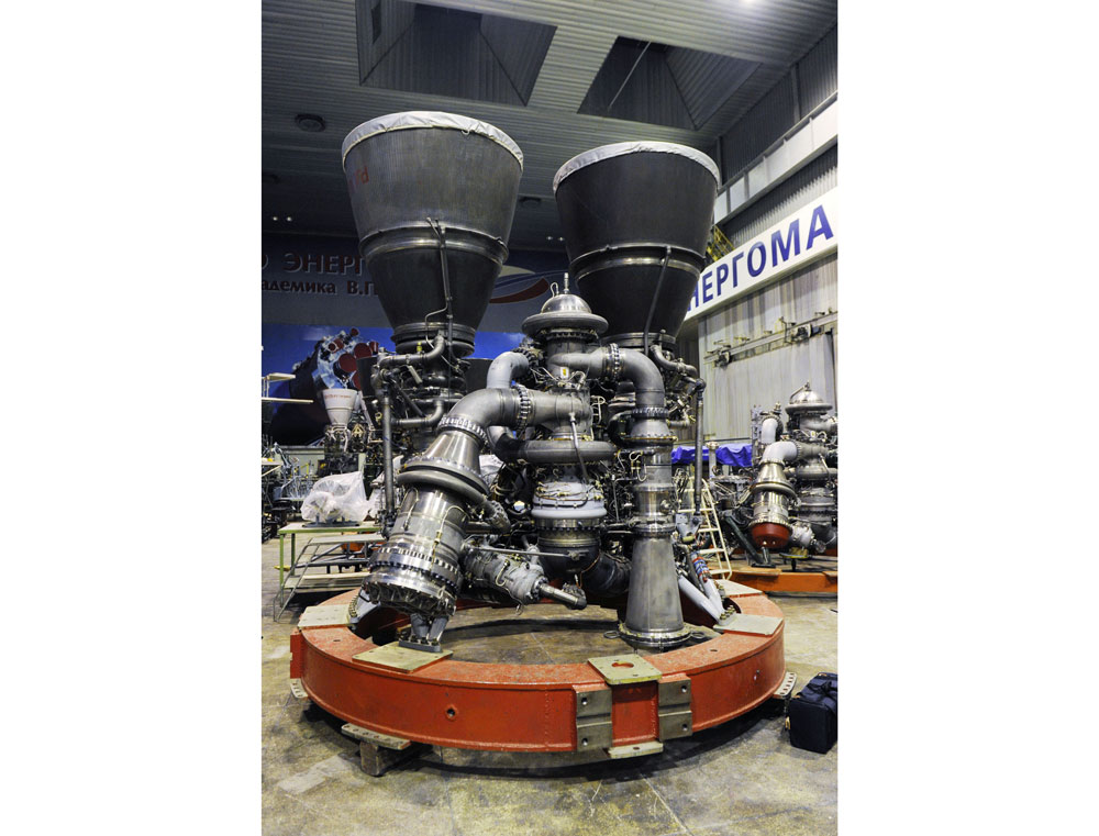 """Один из четырех российских ракетных двигателей РД-180, изготовленный по заказу США на НПО """"Энергомаш"""". Фото © ТАСС / Филиппов Алексей"""