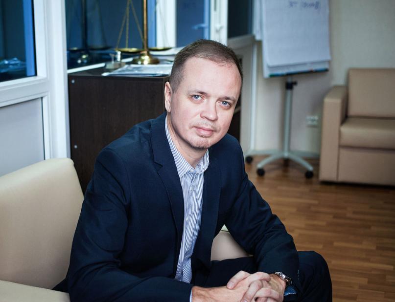 Адвокат Ивана Сафронова сообщил об эмиграции из России