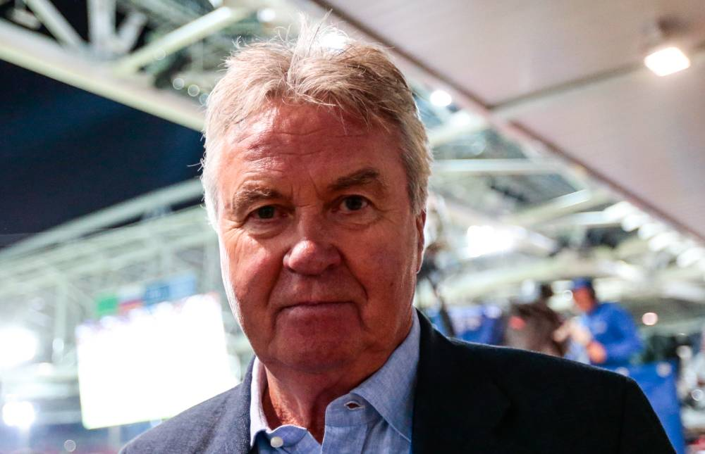 Спасибо за всё, волшебник: Бывший главный тренер сборной России Гус Хиддинк завершил карьеру