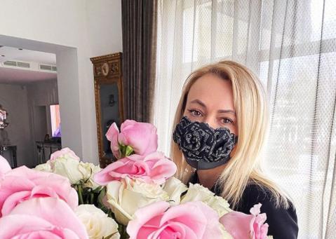 "<p>Яна Рудковская. Фото © instagram / <a href=""https://www.instagram.com/rudkovskayaofficial/"" target=""_blank"" rel=""noopener noreferrer"">rudkovskayaofficial<br/></a></p>"
