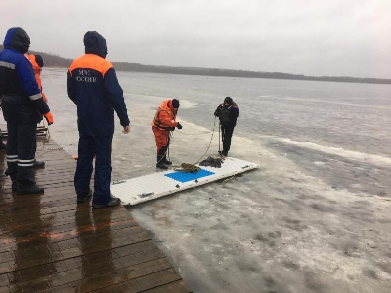 В Ленобласти три рыбака утонули в озере