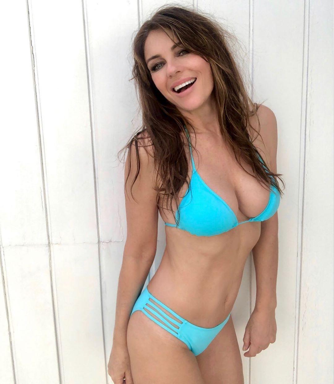 Elizabeth hurley bikini photo gallery