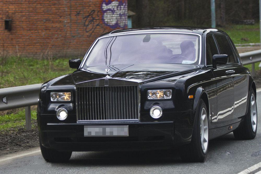 Данил Хачатуров ездит на Rolls Royce Phantom. Фото ©migalki.net