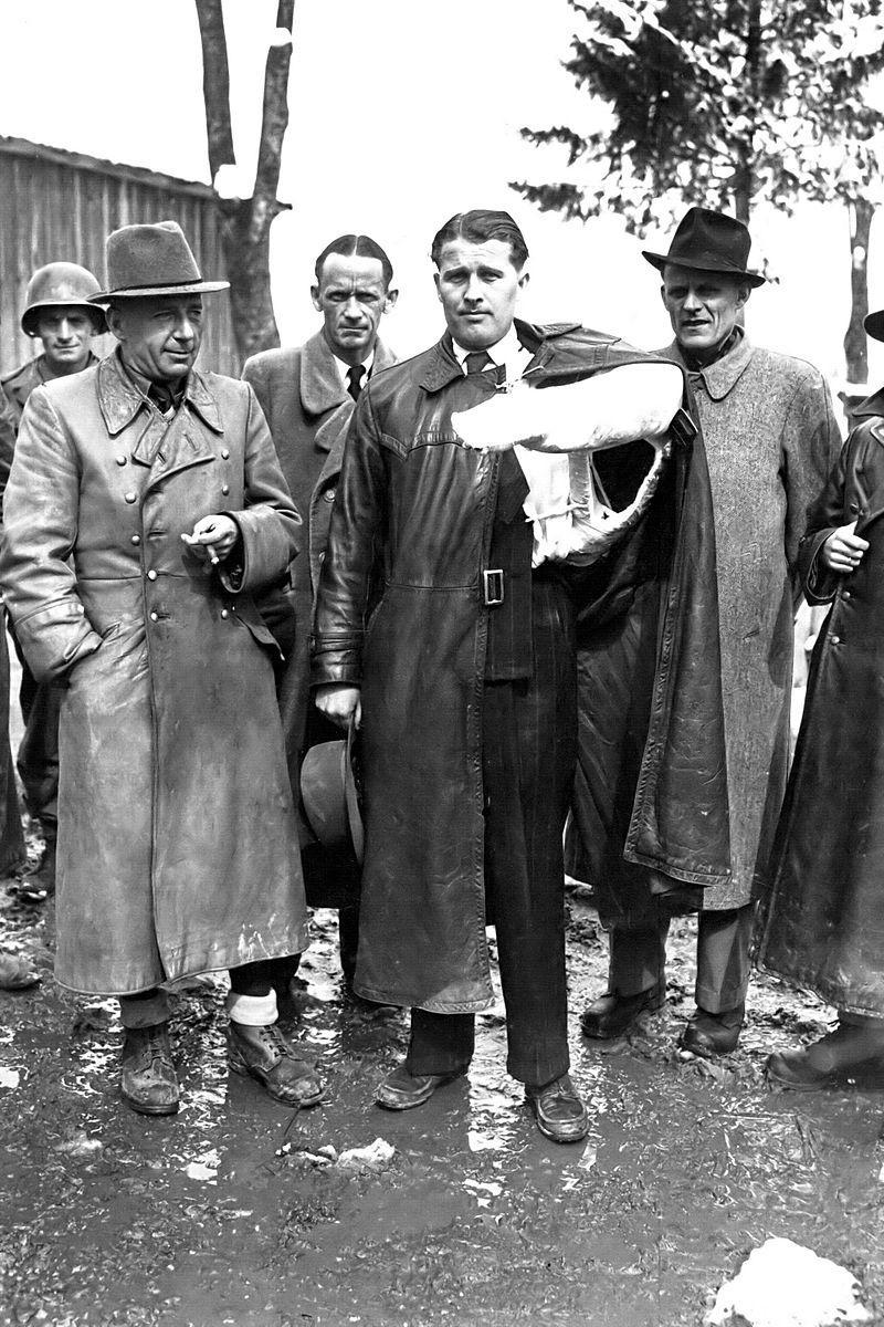 Вернер фон Браун после сдачи в плен американцам, май 1945 года. Фото © Wikipedia