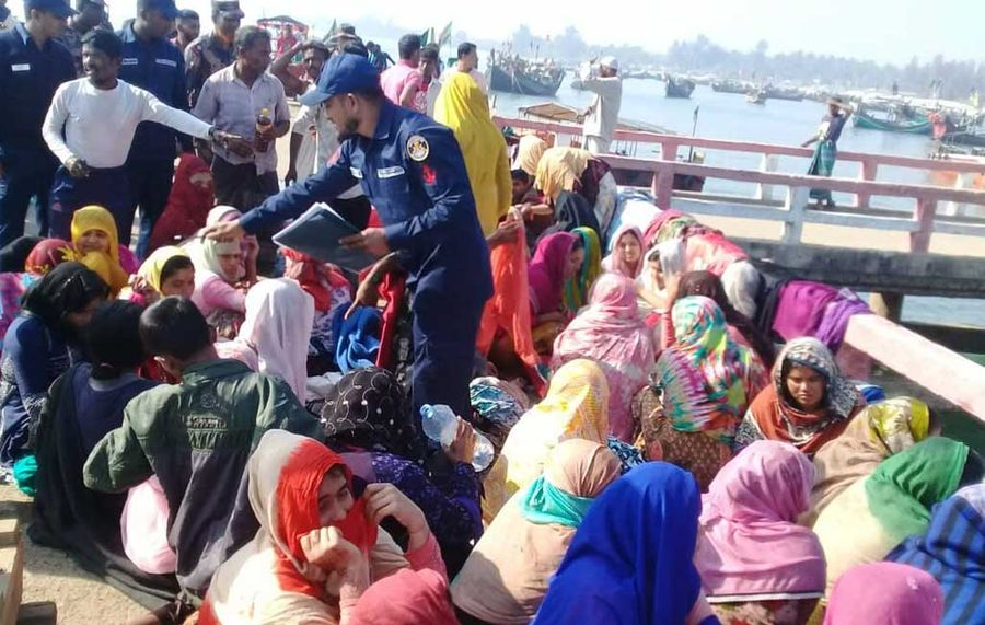"""<p>Фото<strong style=""""font-weight: bold;""""> © </strong><a href=""""https://www.dhakatribune.com/bangladesh/nation/2020/02/11/11-dead-as-trawler-carrying-rohingyas-capsizes-in-bay"""" target=""""_blank"""" rel=""""noopener noreferrer"""">Dhaka Tribune</a></p>"""