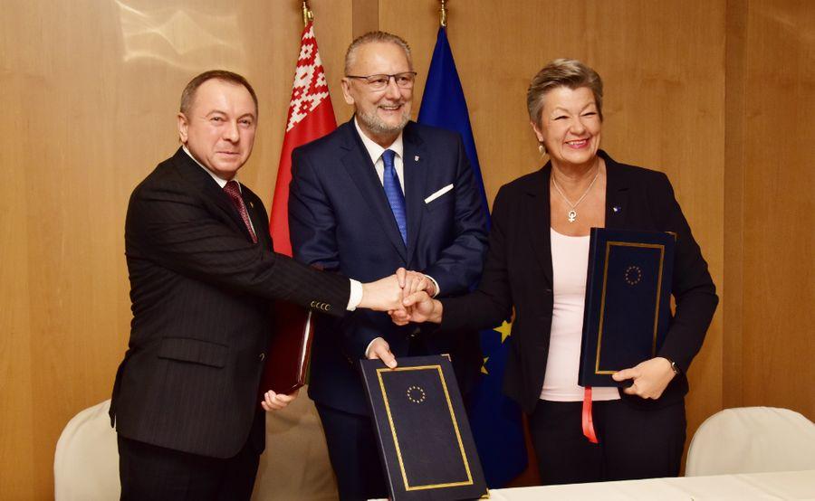 <p>Владимир Макей, Давор Божинович и Илва Йоханссон. Фото © МИД Республики Беларусь</p>