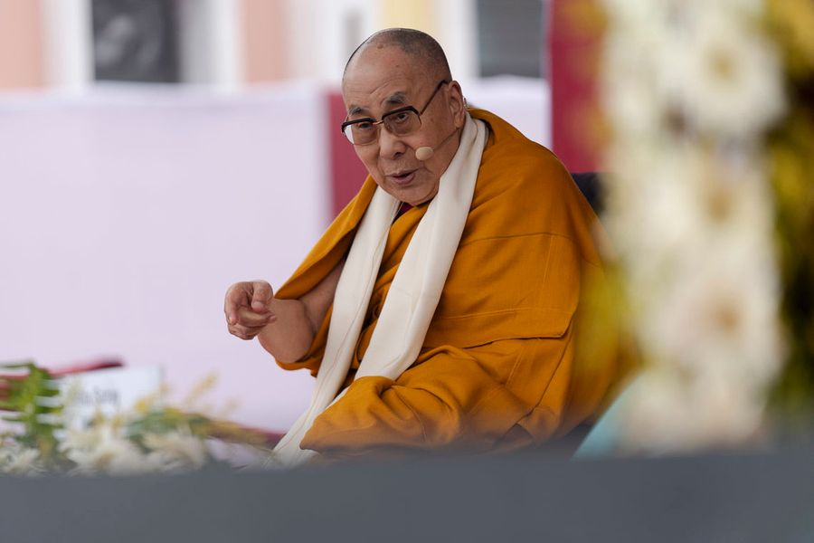 """<p>Фото © <a href=""""https://ru.dalailama.com/pictures/visit-to-the-indian-institute-of-management-in-bodhgaya"""" target=""""_blank"""" rel=""""noopener noreferrer"""">Официальный сайт Его Святейшества Далай-ламы XIV</a></p>"""