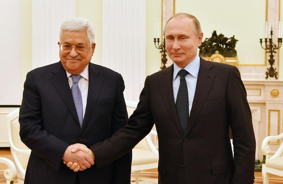 <p>Президенты Палестины и РФ Махмуд Аббас и Владимир Путин. Фото © Zuma / TASS</p>