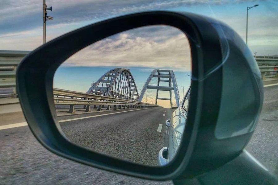 "<p>Фото © Twitter / <a href=""https://twitter.com/Krymsky_bridge"" target=""_blank"" rel=""noopener noreferrer"">Krymsky_bridge</a></p>"