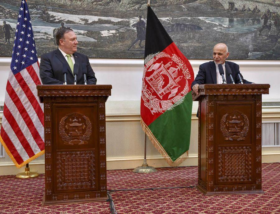 <p>Госсекретарь США Майк Помпео и президент Афганистана Ашраф Гани Ахмадзай. Фото © ТАСС / State Department / Planet Pix via ZUMA Wire</p>