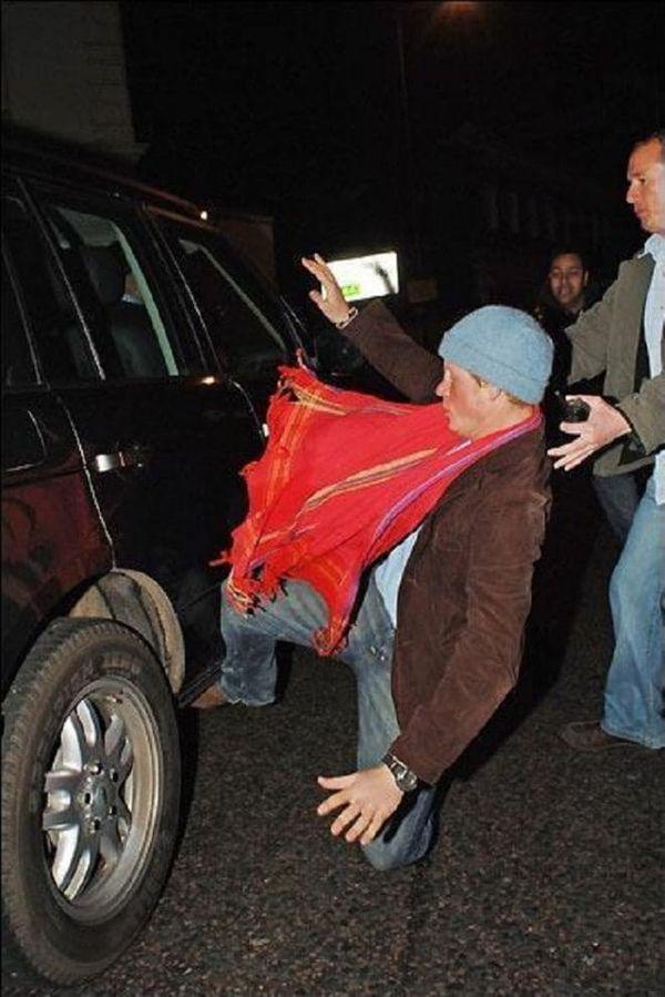 Гарри против папарацци Фото ©newsroyal.ru