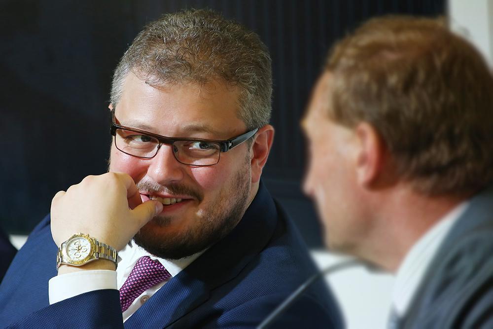 Дмитрий Минц начинал курьером в отцовском банке. Фото © ТАСС / Антон Новодережкин