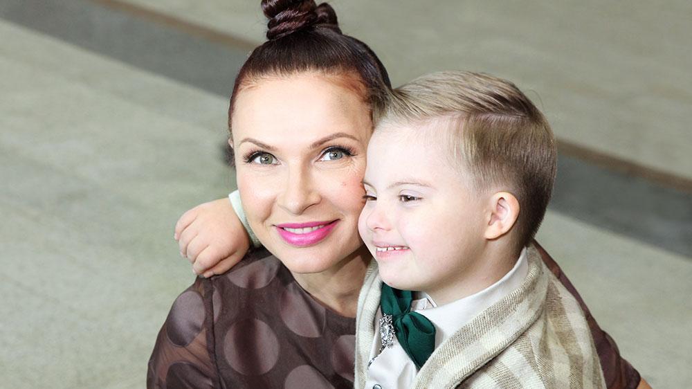 Актриса Эвелина Блёданс с сыном Семёном. Фото © Ольга Зиновская