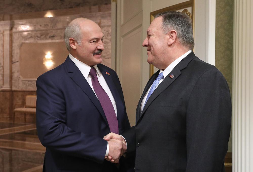 <p>Александр Лукашенко и Майк Помпео. Фото © ТАСС / Петров Николай</p>