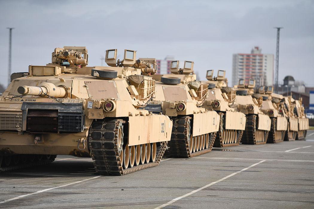 НАТО возобновило манёвры: бряцание оружие у российских границ