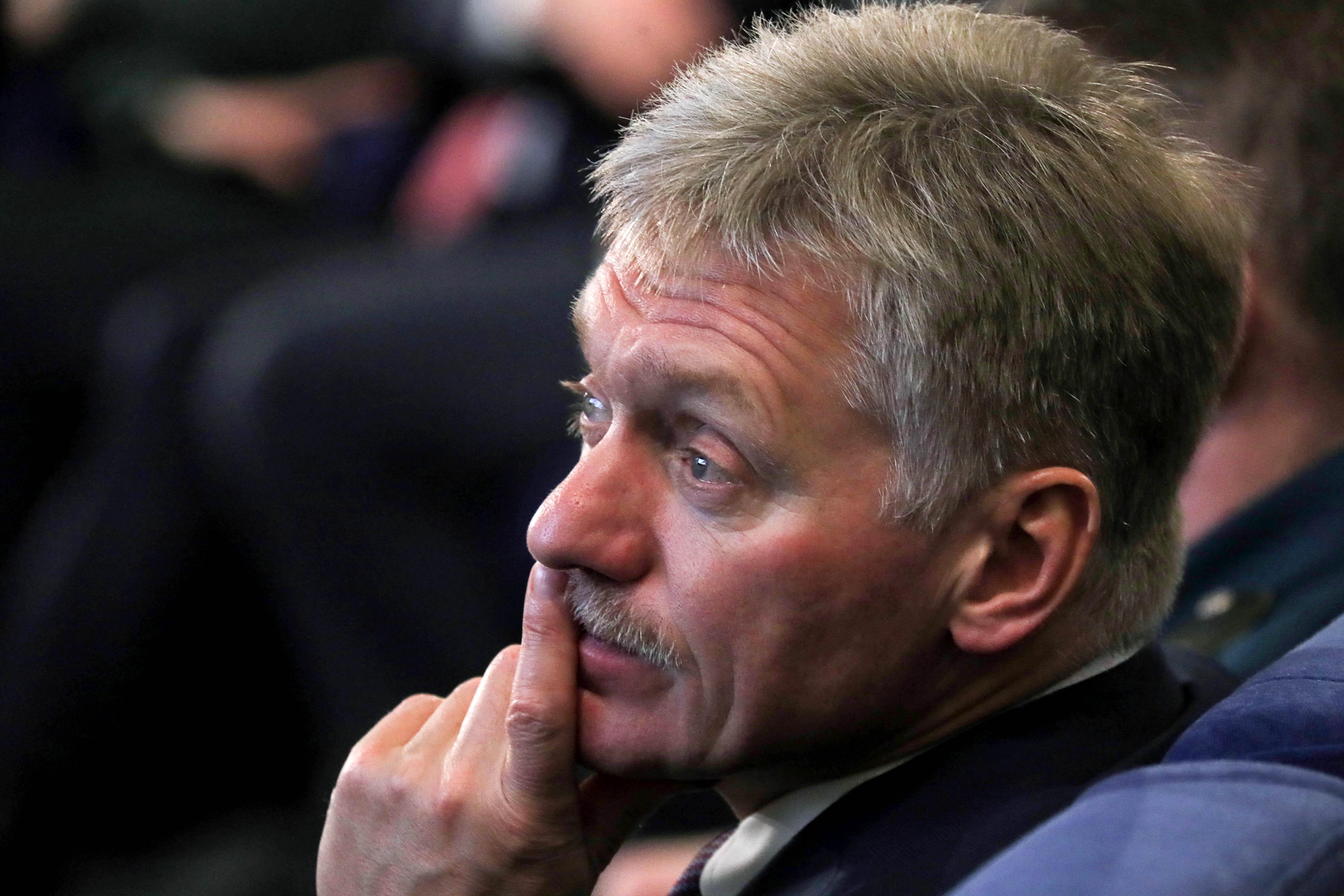 Сенатор США Менендес требует ввести санкции против В. Путина иШойгу