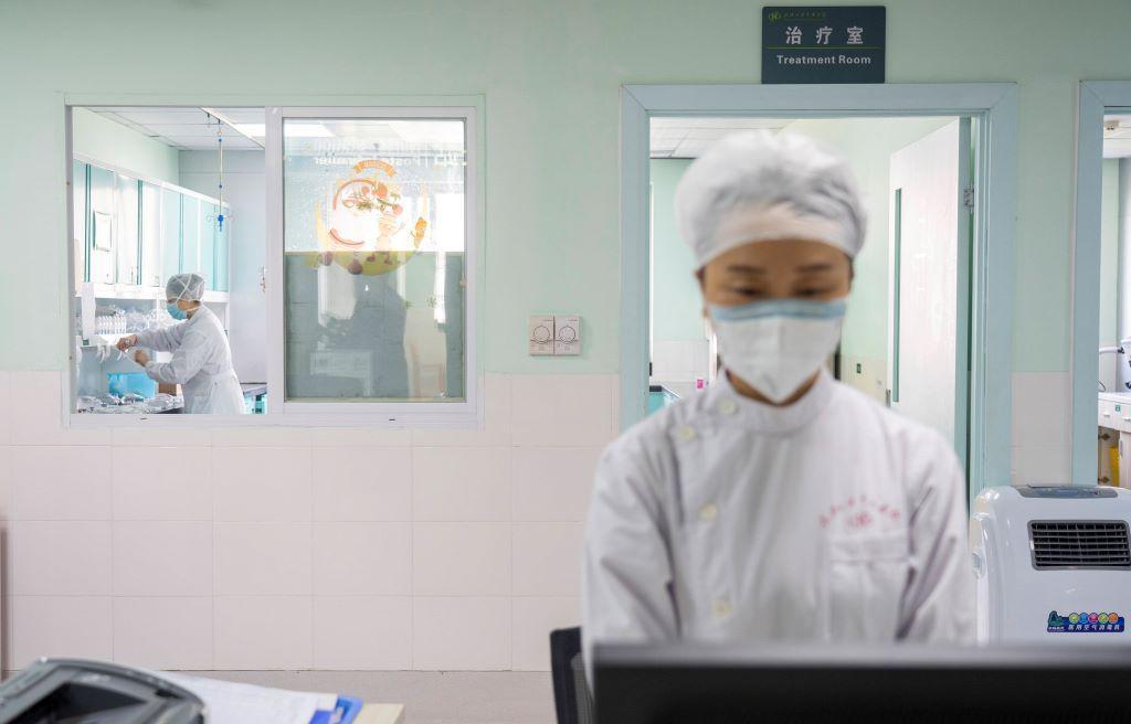 За сутки от коронавируса в Китае скончалось три человека