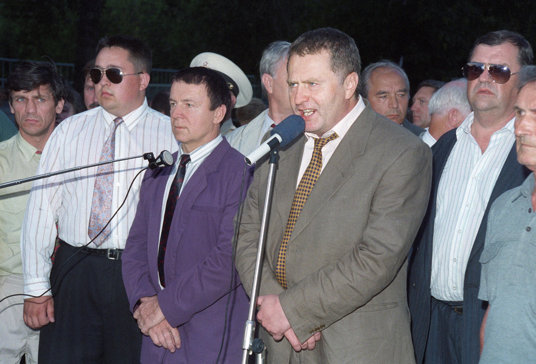 Кашпировский рядом с Жириновским в 90-е. Фото ©ТАСС / Медведев Михаил