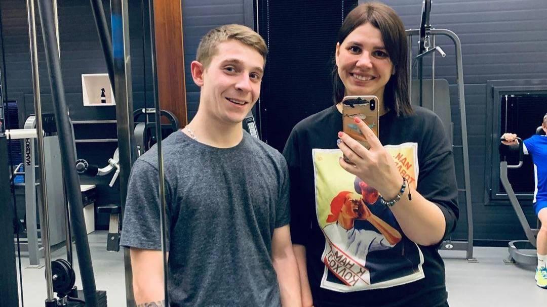 Блогершу из Краснодарского края лишили опеки над пятью детьми после того, как раскрылся её роман с 20-летним пасынком