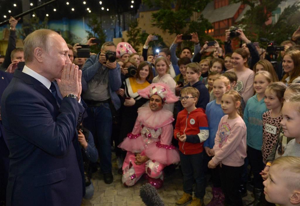 Воспитанник детдома попросил Путина помочь в возвращении к родным