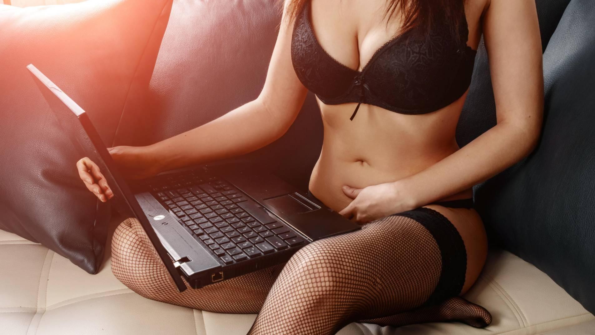 Богачи виртуального секса. Как коронавирус озолотил вебкам-моделей