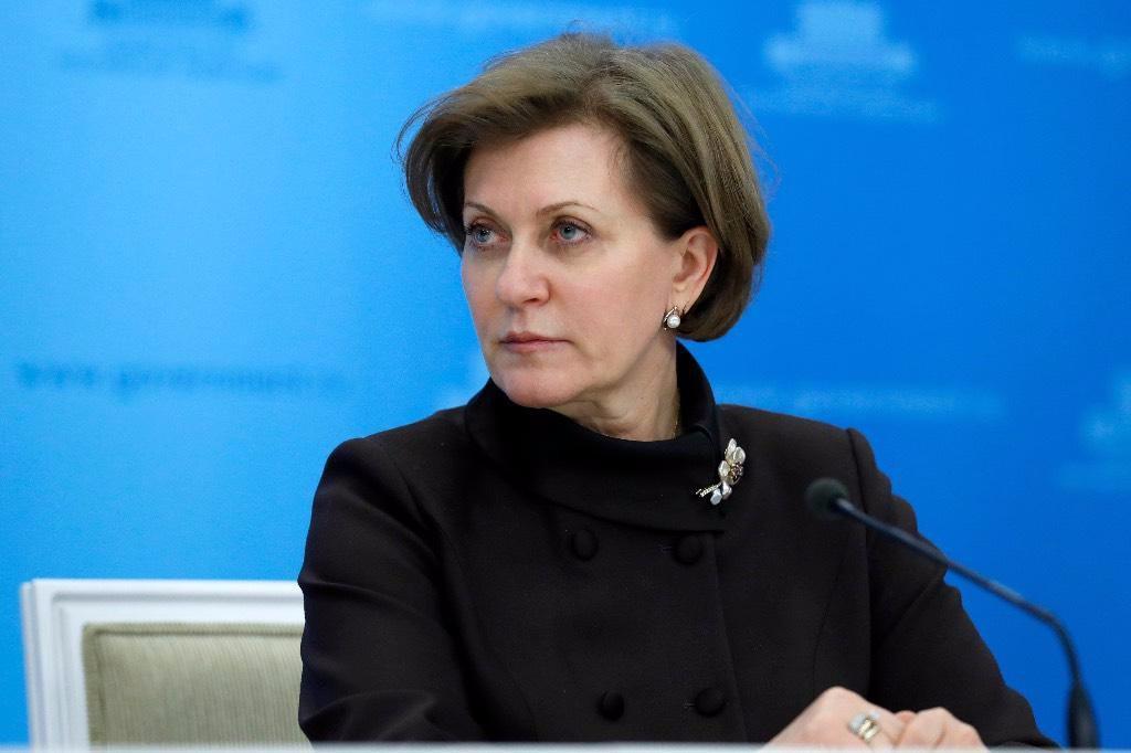 Попова: Один заболевший коронавирусом может заразить трёх человек