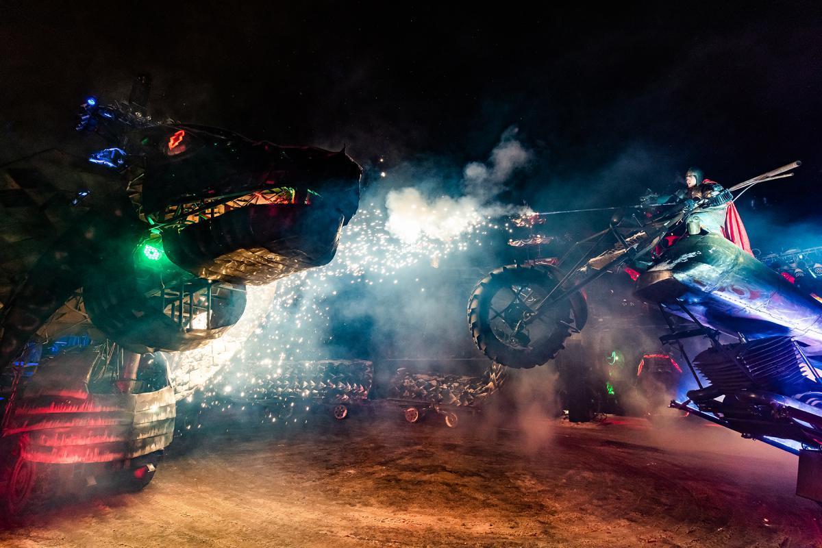 Фото © Официальный сайт новогодних ёлок в Байк-центре
