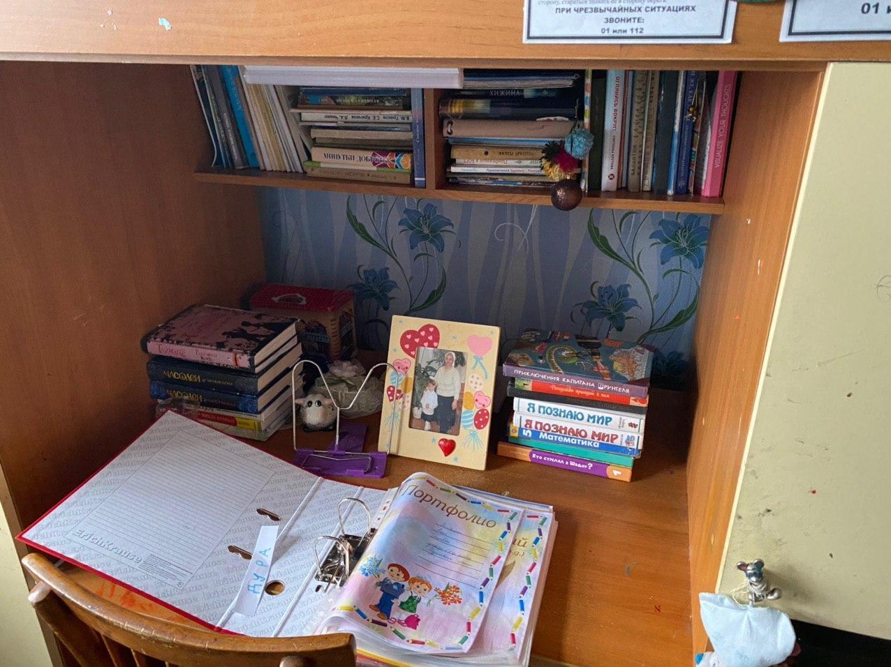 Рабочий стол Леры. Фото © LIFE