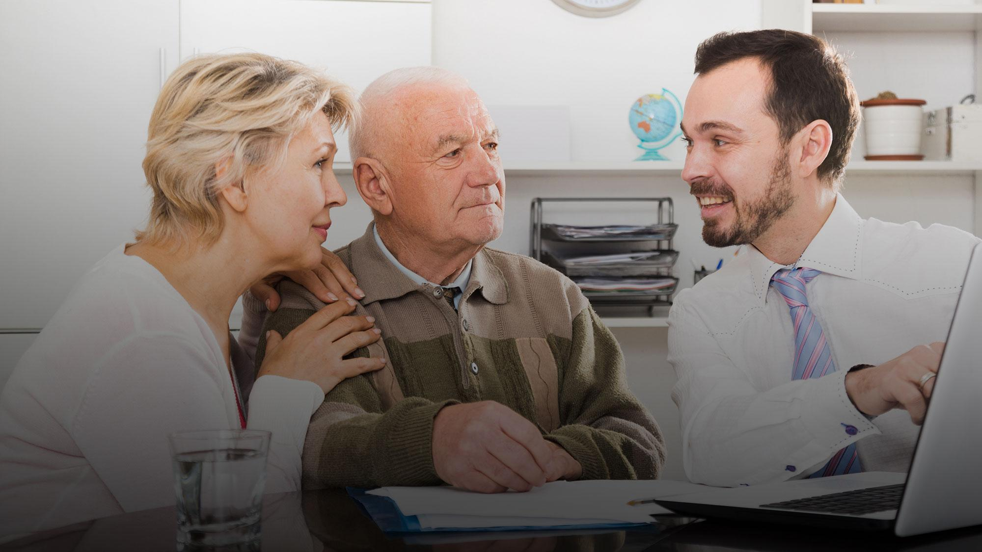 Ловушка для пенсионеров. Как сотрудники банков наживаются на пожилых клиентах