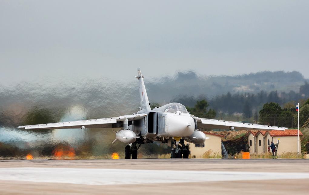 <p>Бомбардировщик Су-24М ВКС РФ в Сирии. Фото © ТАСС / Вадим Гришанкин</p>