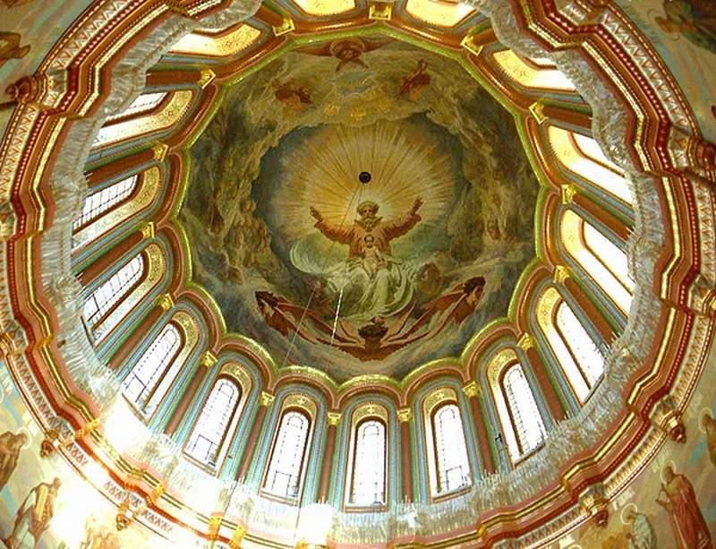 Купол храма Христа Спасителя. Фото ©Allpainters.ru