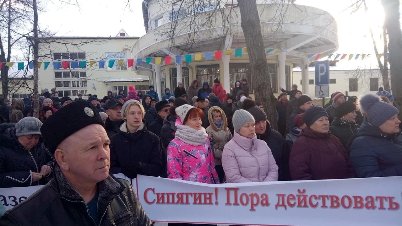 Жители Карабанова протестуют против мусорных свалок. Фото © Activatica