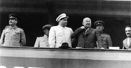 Иосиф Сталин, Георгий Маленков, Лаврентий Берия, Анастас Микоян. 1940-е годы. Фото © Public Domain