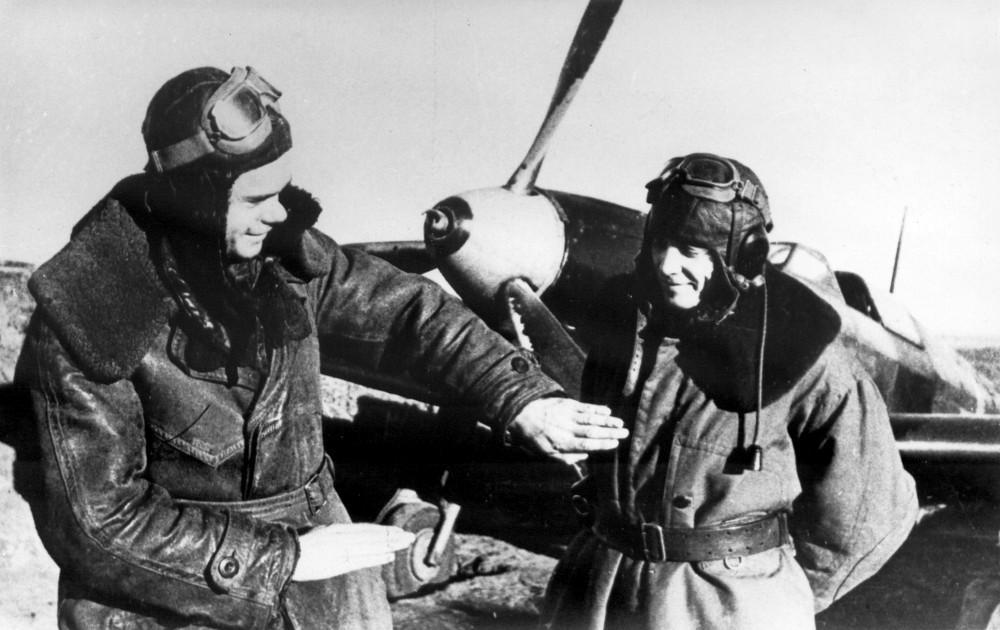 Алексей Решетов со своим ведомым Николаем Сальниковым. Фото ©Полки и самолёты
